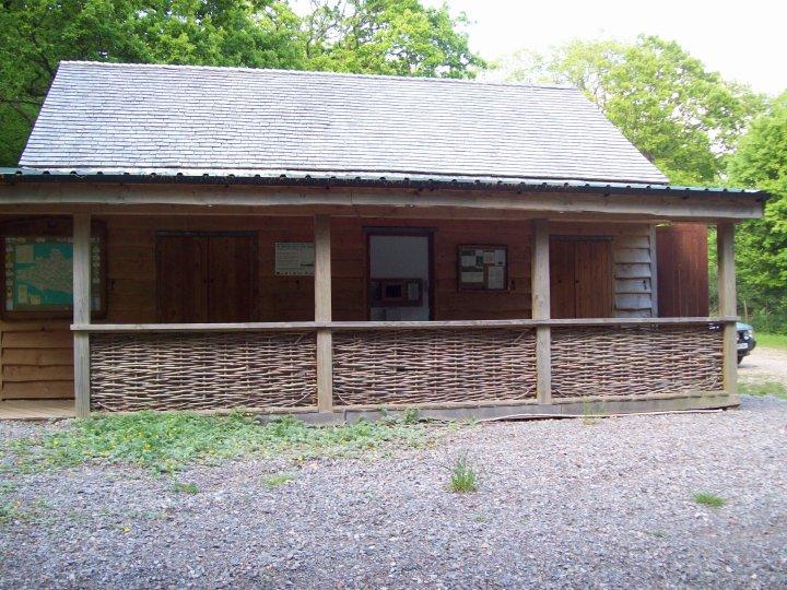 Hurdle panels and shingle roof